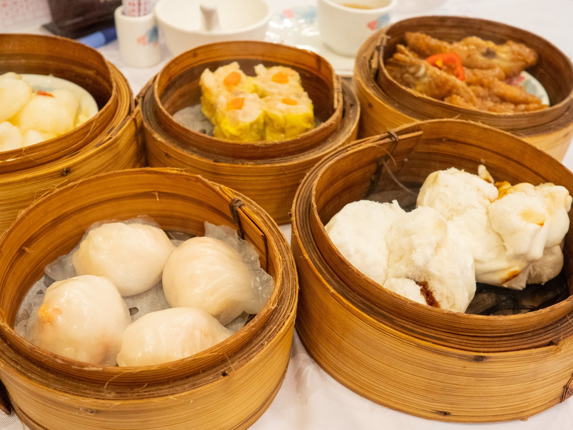 Fungshing restaurant is one of the best and most local style hong kong dim sum restaurants