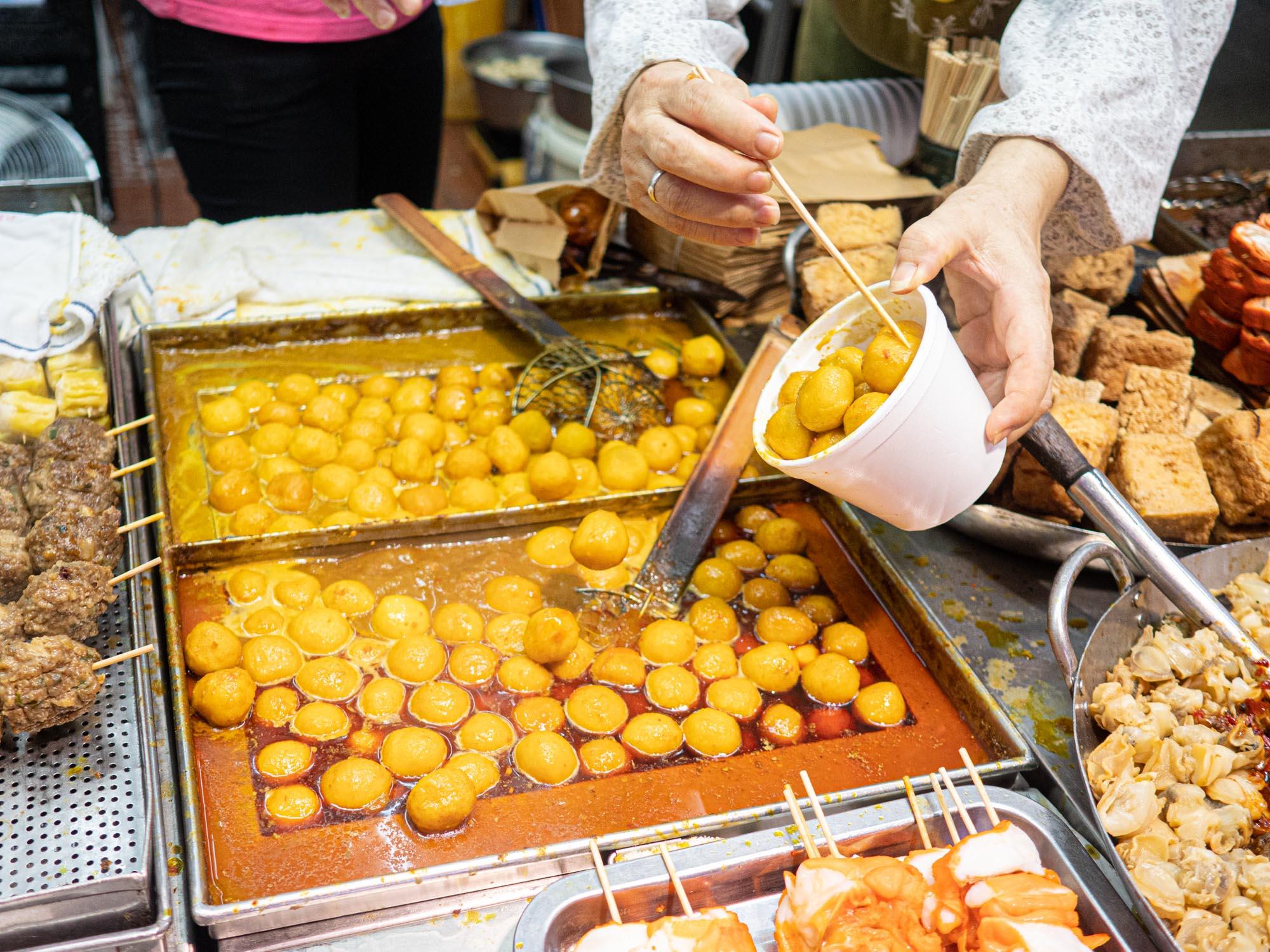 tasty street food in mongkok, the curry fishball